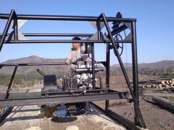 Самодельная пилорама с бензиновым двигателем