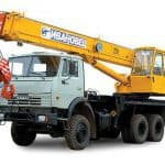 Автокран Ивановец на 25 тонн: мощность и надежность