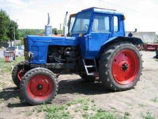 Колесный трактор МТЗ 80