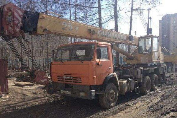 Применение автокрана в строительстве