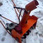 Бензиновый снегоуборщик из бензопилы своими руками — дешево и практично