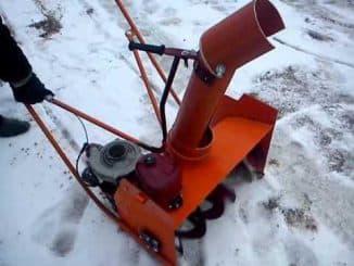 Бензиновый самодельный снегоуборщик