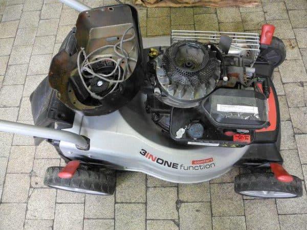 Двигатель снегоуборщика