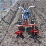 Мотоблок для посадки картофеля ускорит вашу работу